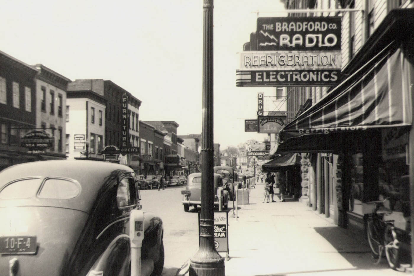 Main_Street_Catskill_New_York_(circa_1954).jpg